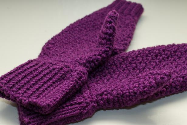 Something by Vera handmade crafts and crochet mommy hold my hand mitten mittens gift kids children baby shower