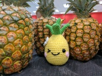 happy pineapple1