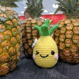 happy pineapple1