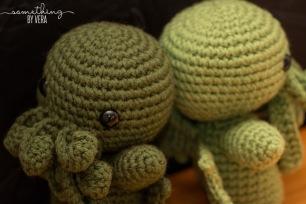 Medium Thyme and Tea Leaf